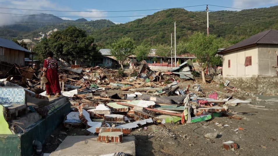 Destruction in Palu after earthquake and tsunami