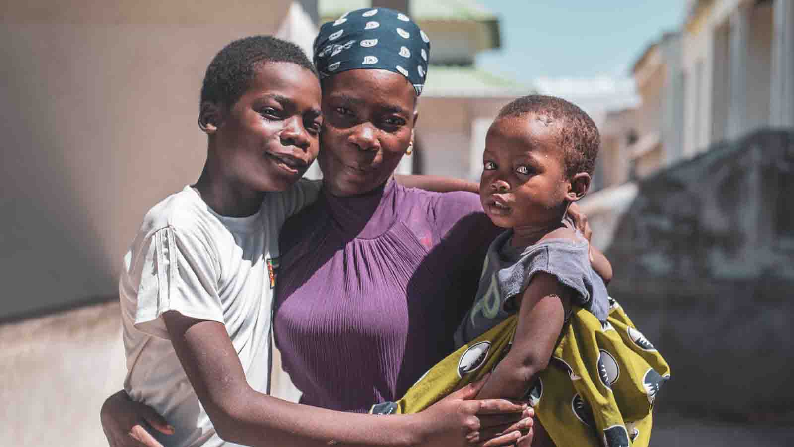 Cyclone Idai: Adolino's family embracing