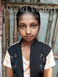 Julee, aged 11, from India, is hoping for a World Vision sponsor
